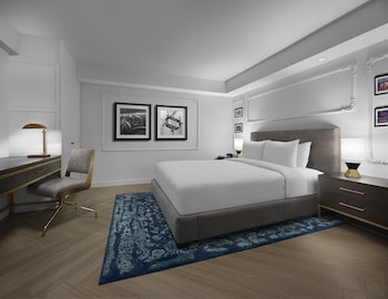 Suite, 1 Queen Bed