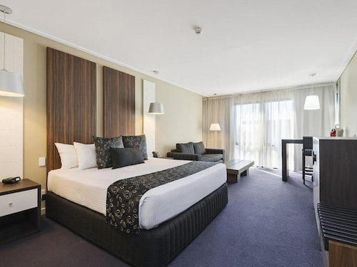 . Quality Hotel Taylors Lakes