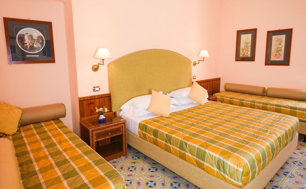 호텔 안티체 무라(Hotel Antiche Mura) Hotel Image 28 - Guestroom