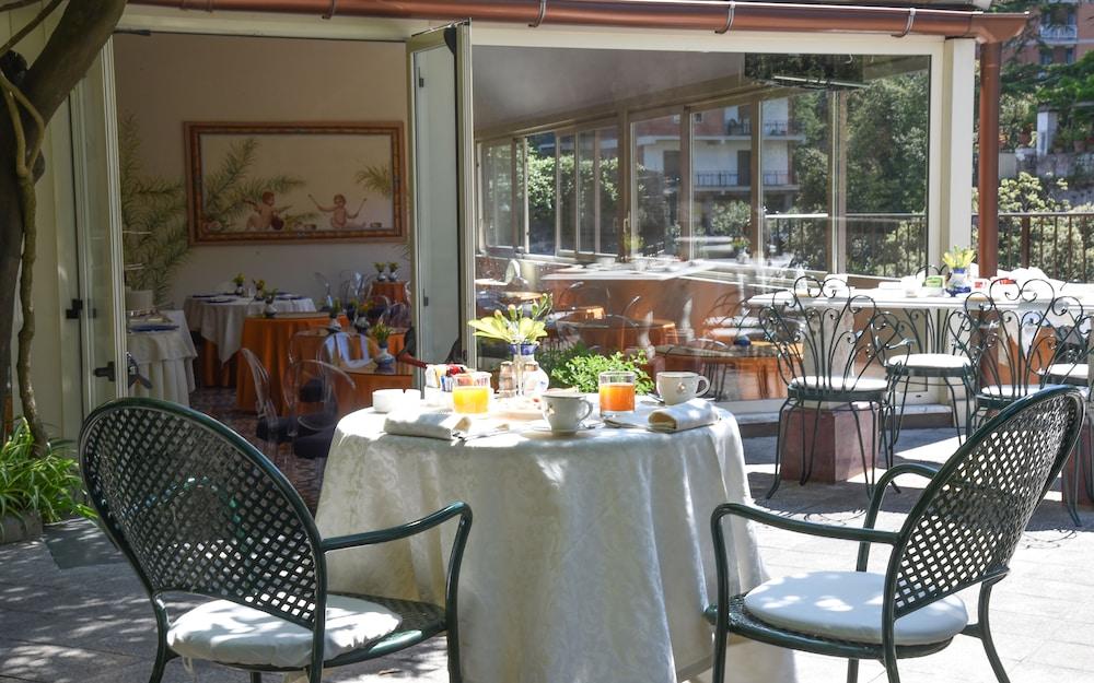 호텔 안티체 무라(Hotel Antiche Mura) Hotel Image 103 - Outdoor Dining