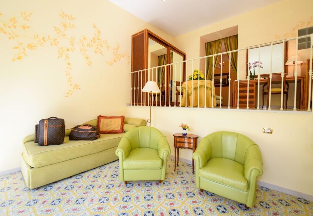 호텔 안티체 무라(Hotel Antiche Mura) Hotel Image 14 - Guestroom