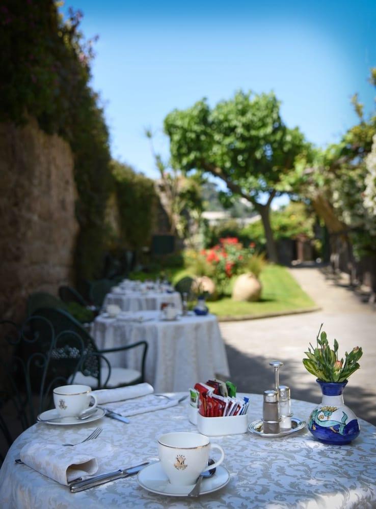호텔 안티체 무라(Hotel Antiche Mura) Hotel Image 76 - Breakfast Area