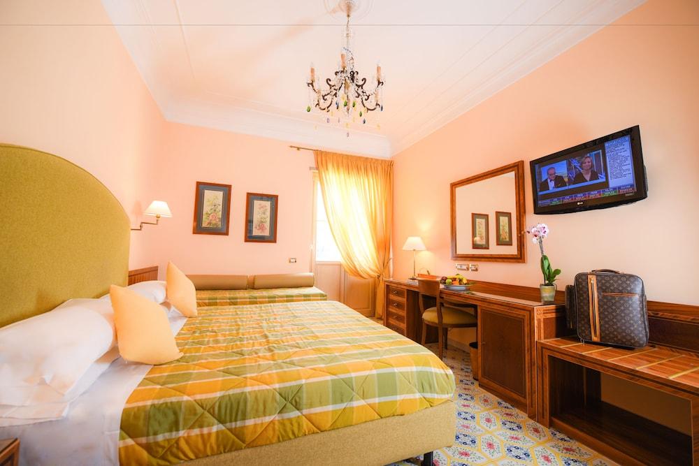 호텔 안티체 무라(Hotel Antiche Mura) Hotel Image 32 - Guestroom