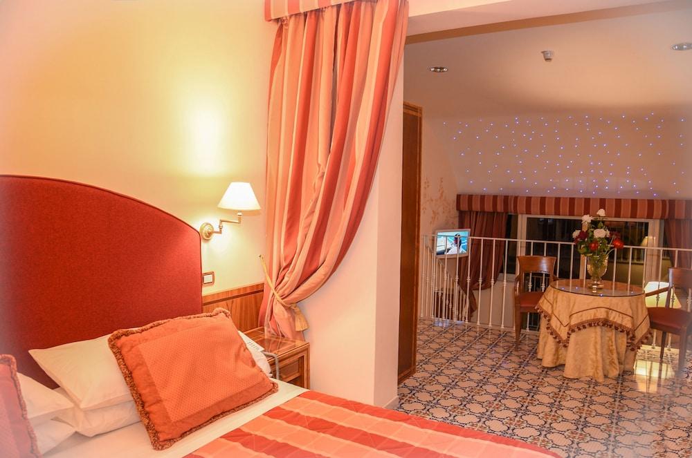 호텔 안티체 무라(Hotel Antiche Mura) Hotel Image 50 - Living Room