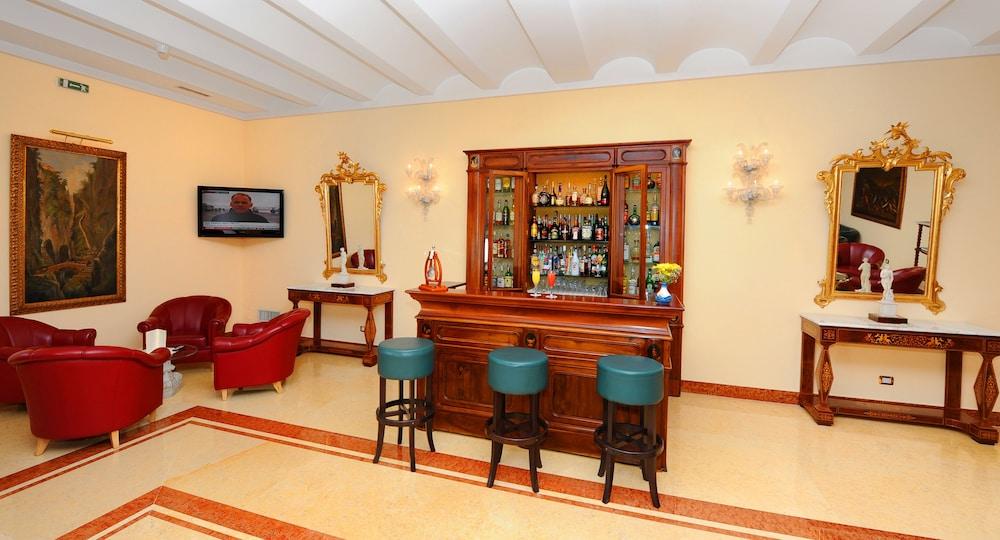 호텔 안티체 무라(Hotel Antiche Mura) Hotel Image 85 - Hotel Bar