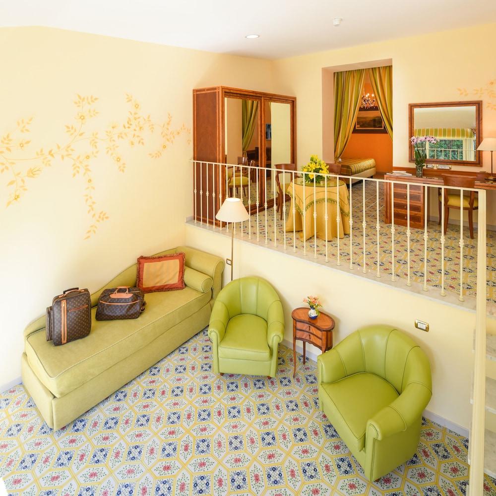 호텔 안티체 무라(Hotel Antiche Mura) Hotel Image 51 - Living Room