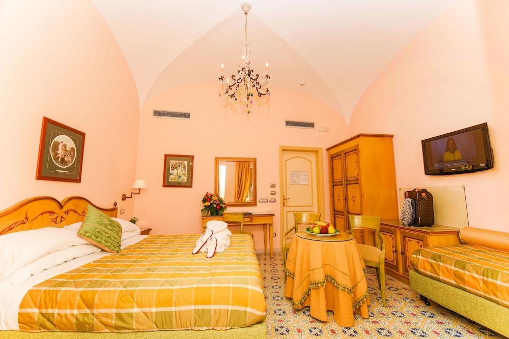 호텔 안티체 무라(Hotel Antiche Mura) Hotel Image 8 - Guestroom