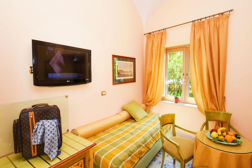 호텔 안티체 무라(Hotel Antiche Mura) Hotel Image 16 - Guestroom