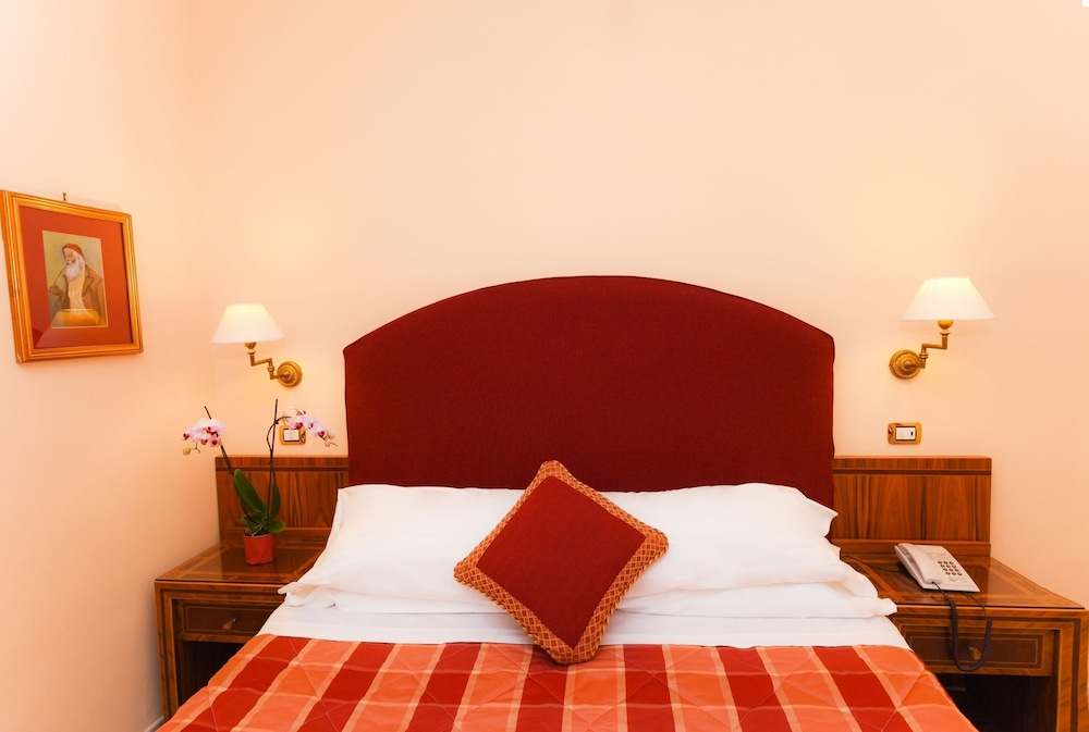 호텔 안티체 무라(Hotel Antiche Mura) Hotel Image 11 - Guestroom