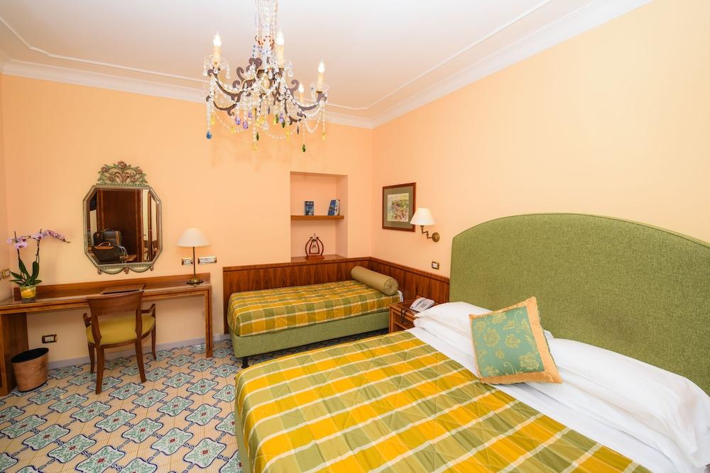 호텔 안티체 무라(Hotel Antiche Mura) Hotel Image 33 - Guestroom