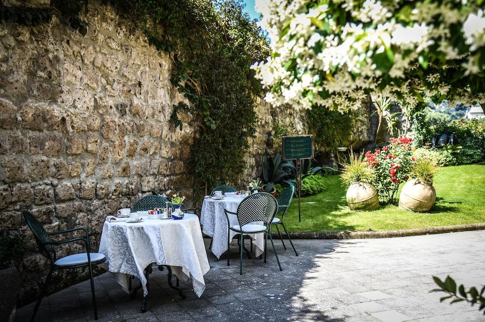 호텔 안티체 무라(Hotel Antiche Mura) Hotel Image 105 - Outdoor Dining
