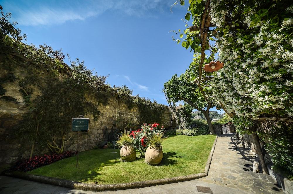 호텔 안티체 무라(Hotel Antiche Mura) Hotel Image 99 - Garden
