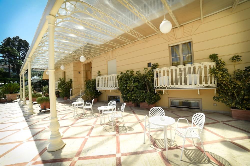 호텔 안티체 무라(Hotel Antiche Mura) Hotel Image 106 - Outdoor Dining