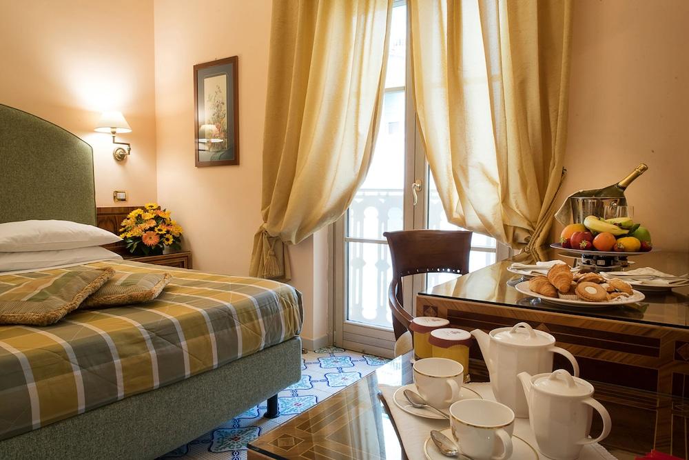 호텔 안티체 무라(Hotel Antiche Mura) Hotel Image 43 - Guestroom