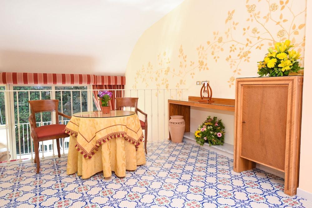 호텔 안티체 무라(Hotel Antiche Mura) Hotel Image 48 - Living Area