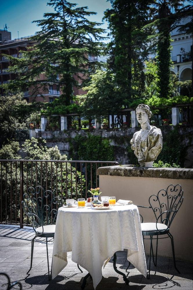 호텔 안티체 무라(Hotel Antiche Mura) Hotel Image 107 - Outdoor Dining