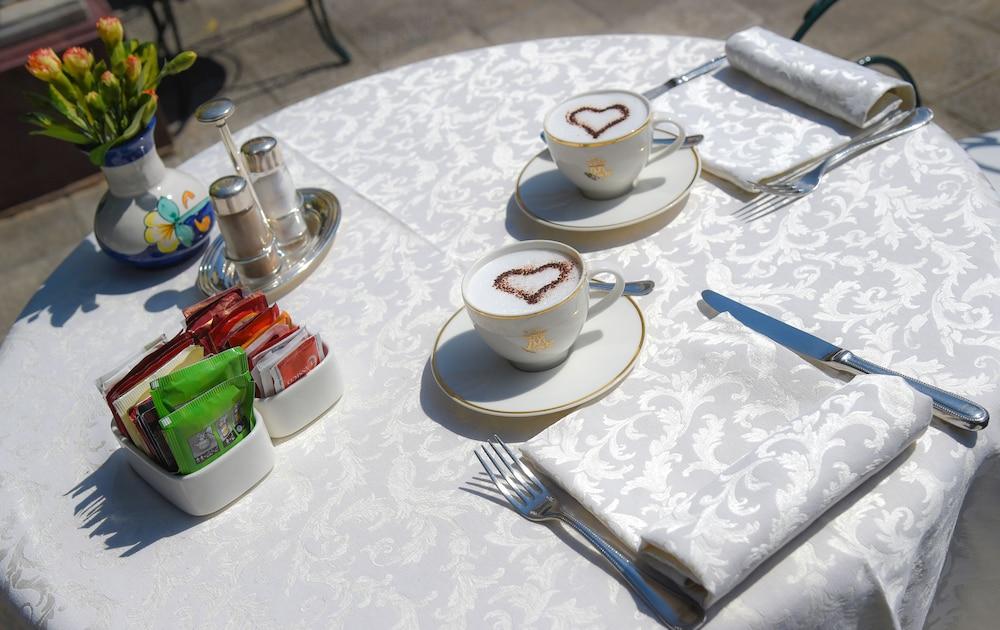 호텔 안티체 무라(Hotel Antiche Mura) Hotel Image 77 - Breakfast Area