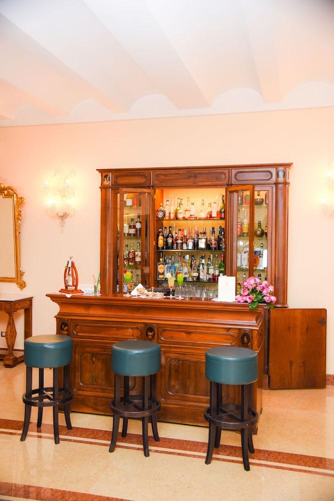 호텔 안티체 무라(Hotel Antiche Mura) Hotel Image 86 - Hotel Bar