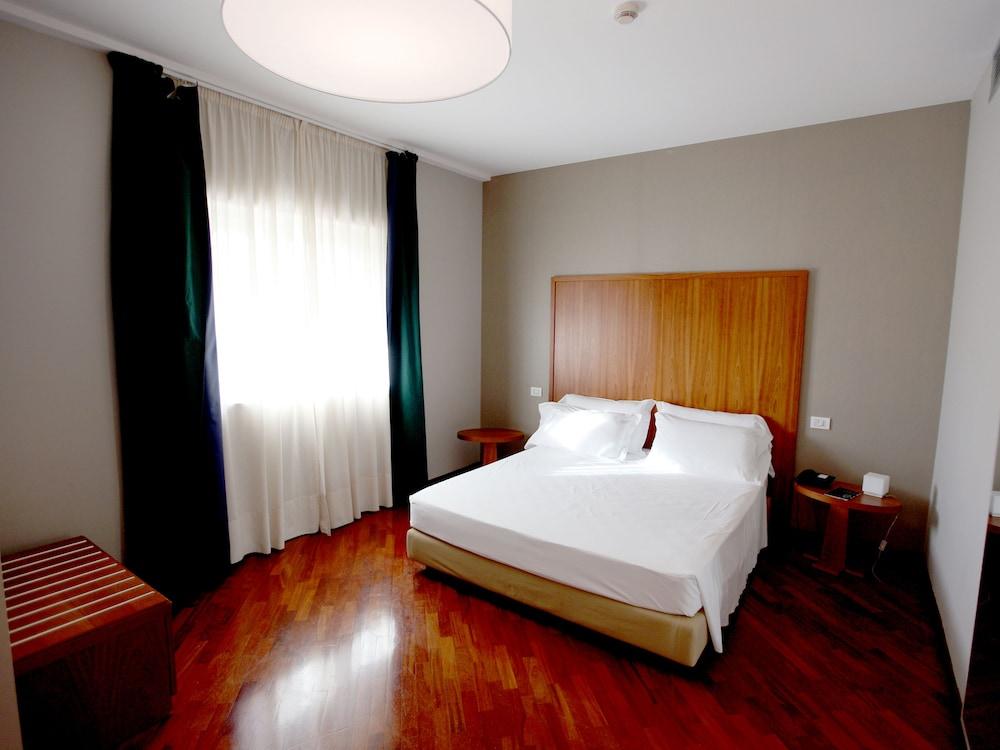 레지오호텔 만프레디(Regiohotel Manfredi) Hotel Image 20 - Guestroom