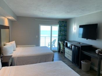 Standard Room, 2 Queen Beds, Oceanfront