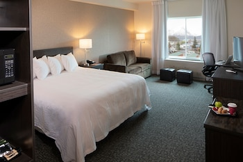 Deluxe Room, 1 King Bed with Sofa bed