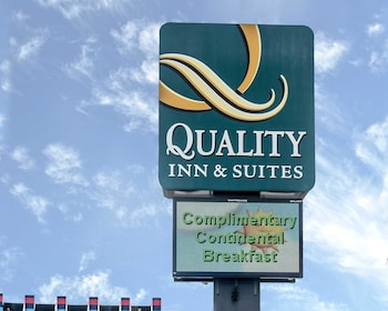 Sandusky Vacations - Quality Inn & Suites Rainwater Park - Property Image 1