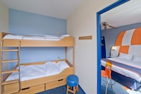 Room for 6, single beds,  with access to aquapark