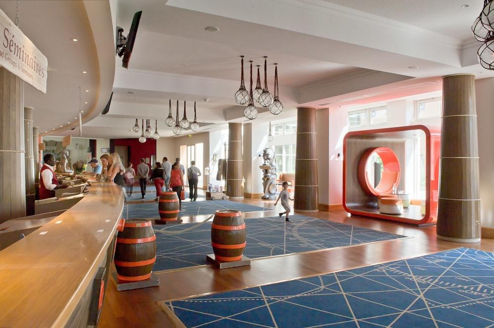 エクスプロアーズ ホテル アット ディズニーランド® パリ