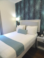 One Double Bed (Newly Renovated) at Belnord Hotel in New York