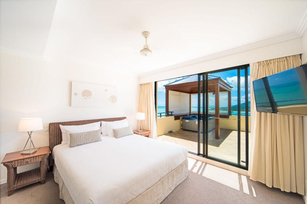 https://i.travelapi.com/hotels/2000000/1070000/1060500/1060430/1b24729e_z.jpg