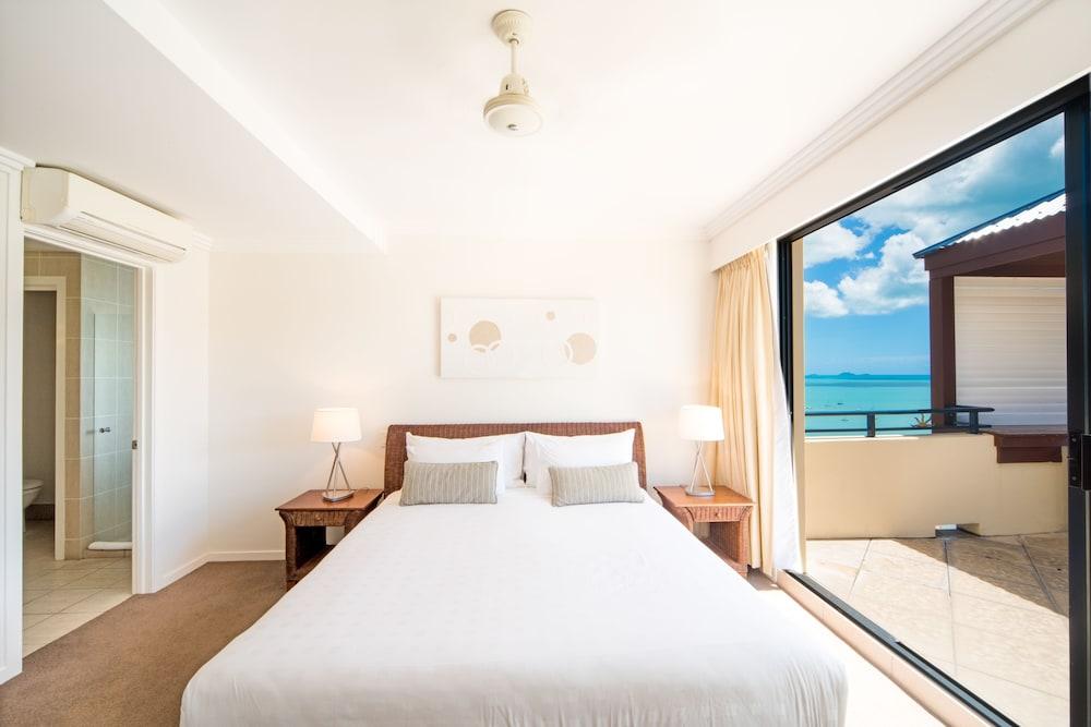 https://i.travelapi.com/hotels/2000000/1070000/1060500/1060430/54b8a68c_z.jpg