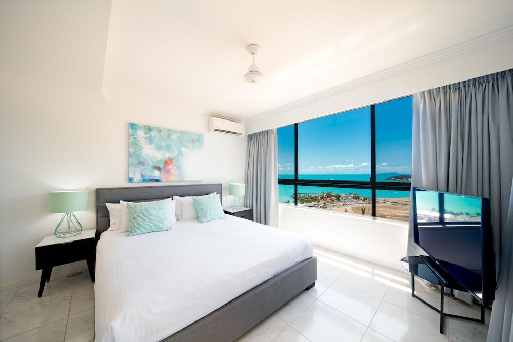 https://i.travelapi.com/hotels/2000000/1070000/1060500/1060430/5ca2f0e7_z.jpg