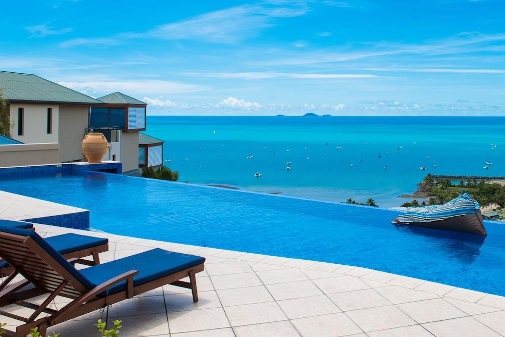 https://i.travelapi.com/hotels/2000000/1070000/1060500/1060430/942c0026_z.jpg