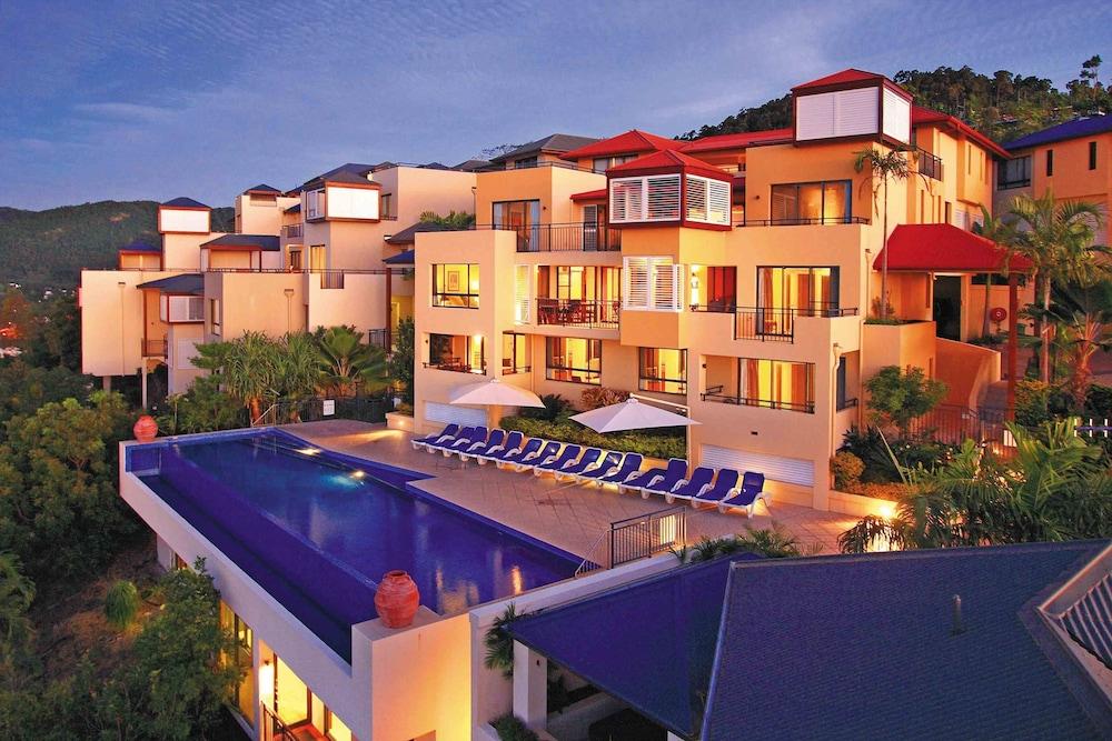 https://i.travelapi.com/hotels/2000000/1070000/1060500/1060430/a19822b4_z.jpg