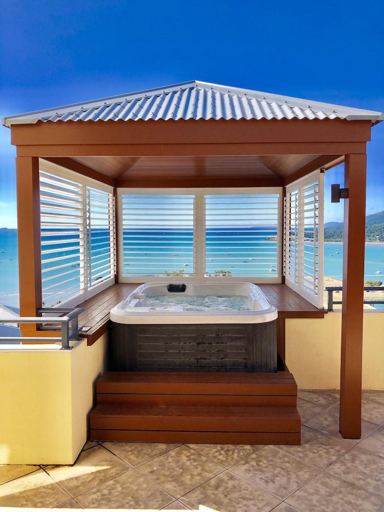 https://i.travelapi.com/hotels/2000000/1070000/1060500/1060430/e8e795cb_z.jpg