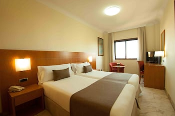 Basic Tek Büyük Yataklı Oda