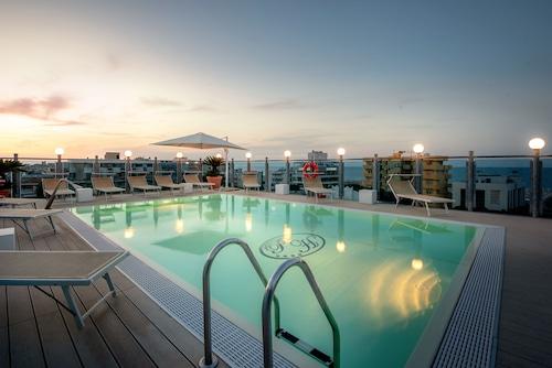 Rimini - Hotel President - z Wrocławia, 28 marca 2021, 3 noce