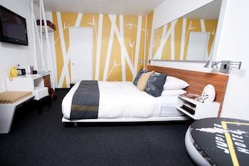 Room, 1 Queen Bed (Chill Lobu)
