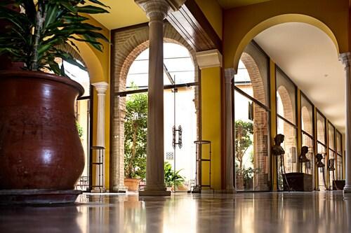 . Hotel Alcázar de La Reina
