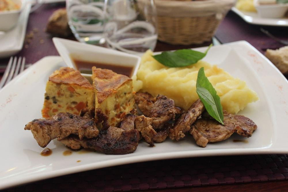브릿 호텔 보르도 아에로포트 - 르 소레텔(Brit Hotel Bordeaux Aéroport - Le Soretel) Hotel Image 15 - Food and Drink