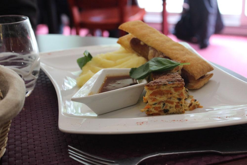브릿 호텔 보르도 아에로포트 - 르 소레텔(Brit Hotel Bordeaux Aéroport - Le Soretel) Hotel Image 16 - Food and Drink