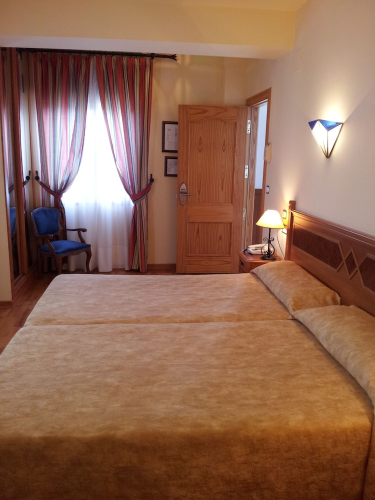 Double Room, 2 Twin Beds, Terrace, Mountain View