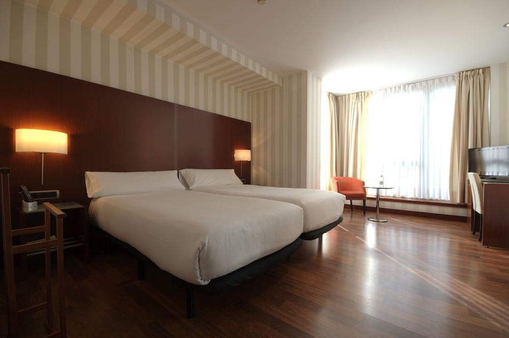 Hotel Zenit Conde De Borrell, Featured Image