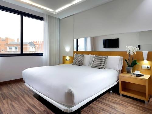 Barcelona - Hotel SB Icaria barcelona - z Warszawy, 15 kwietnia 2021, 3 noce