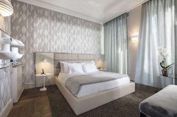 Double Room (Prestige)