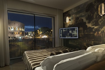 Junior Suite, 1 King Bed (Colosseum View)