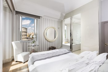 Double Room (Master, Colosseum View)