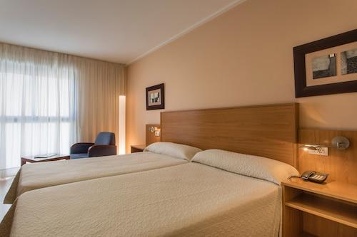 Alicante - Hotel Villa San Juan - z Warszawy, 17 kwietnia 2021, 3 noce
