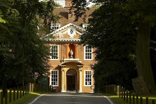 . Mercure London North Watford Hunton Park Hotel