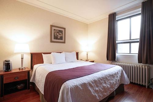 Montreal - Hotel St-Denis - z Warszawy, 2 kwietnia 2021, 3 noce